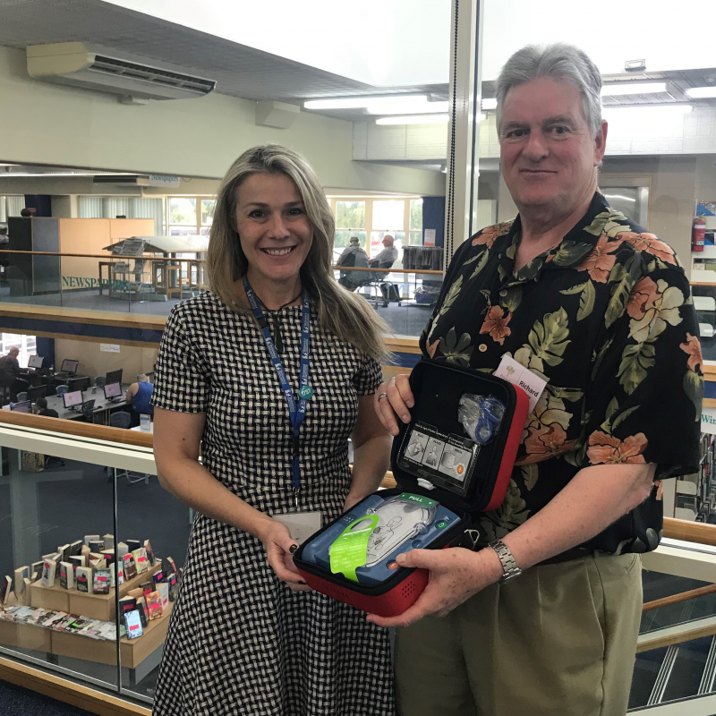 Defibrillator donated to Hastings library