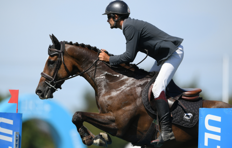 Hot Start to the Land Rover Horse of the Year Show