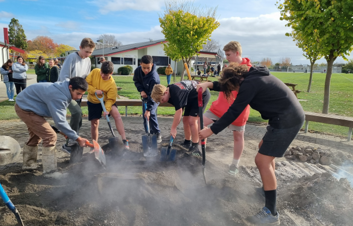 Karamu High School students experience science in an authentic New Zealand context