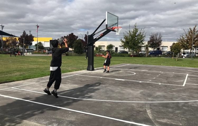 New half basketball court opens in Hastings
