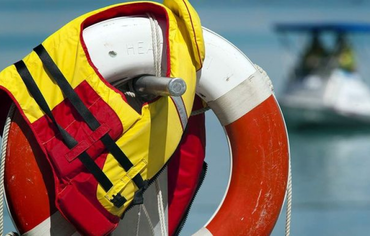 'No excuses' for not wearing lifejackets