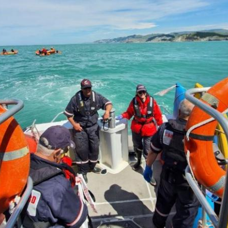 Successful rescue training day on the water at Waimarama