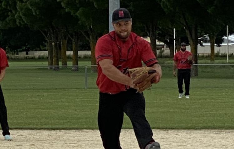 Thrilling Bay premier men's softball tussles