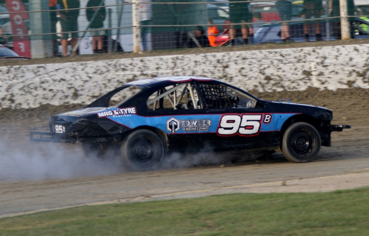 Towler aims to match old man's streetstock feats
