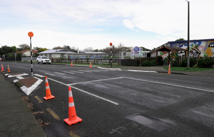 Trial traffic calming measures on Willowpark Road North