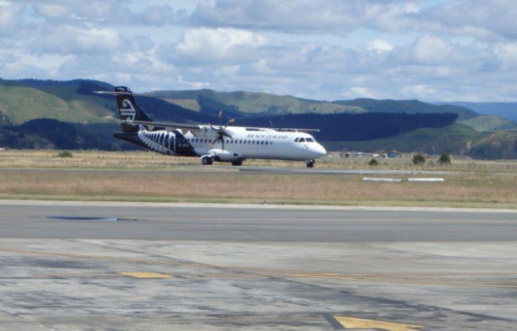 Unusual smell in cabin forces evacuation of Air New Zealand plane
