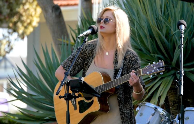 Video News: Singer/Songwriter returns home to entertain in local music scene.